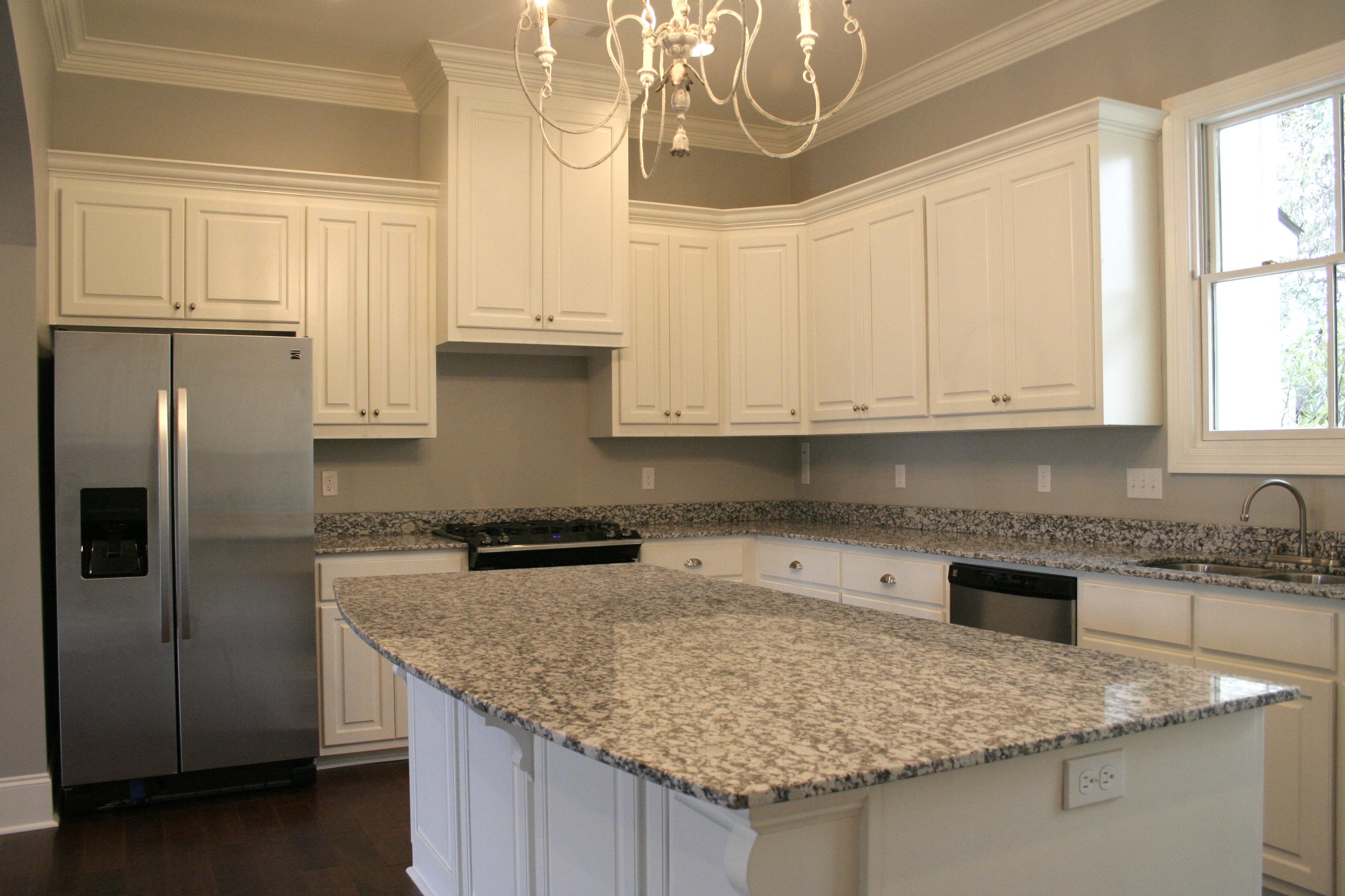 New orleans style kitchen - Exterior Front Unfurnished Kitchen 2